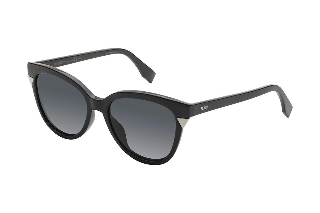 משקפי שמש מאצטט מסגרת חתולית בגוון שחור, עדשות כהות