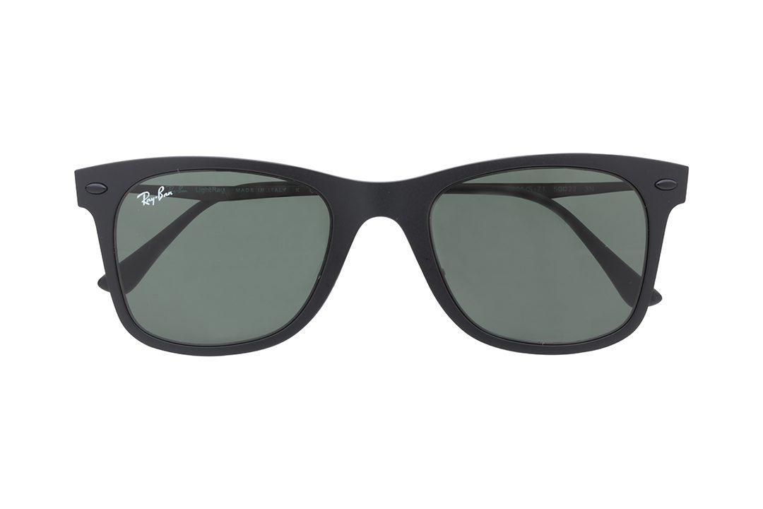 משקפי שמש רייבן בעיצוב וייפרר (מלבני), בעלי מסגרת בשחור מט, עדשות בגוון ירוק כהה וזרועות שחורות
