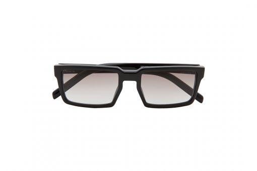 משקפי שמש מלבניים מבית PRADA בגוון שחור ועדשות בגוון חום בהיר מדורג