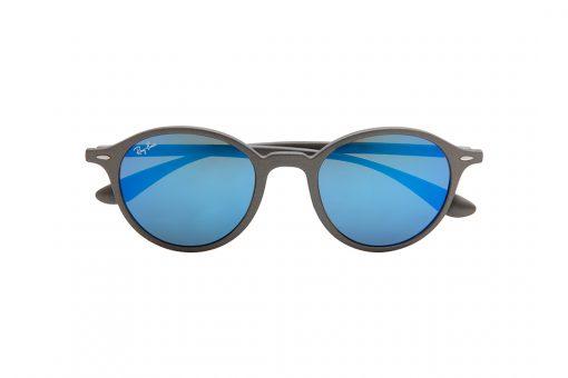 משקפי שמש רייבן בעלי מסגרת עגולה, חזית וזרועות בצבע אפור כהה עדשות מראה כחולה
