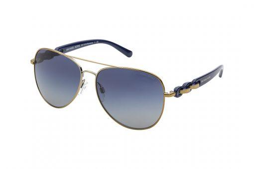 משקפי שמש מייקל קורס במראה טייסים, מסגרת דקיקה בצבע מוזהב, זרועות כחולות בשילוב דוגמת טבעות משולבות בזהב וכחול, עדשות כחולות