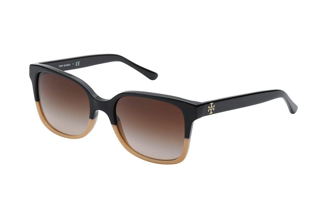 משקפי שמש TORY BURCH אובר סייז בצורת מלבן, חזית מחולקת לשני צבעים - חצי עליון בשחור וחצי תחתון בצבע קרם, זרועות בצבע שחור, עדשה בצבע חום