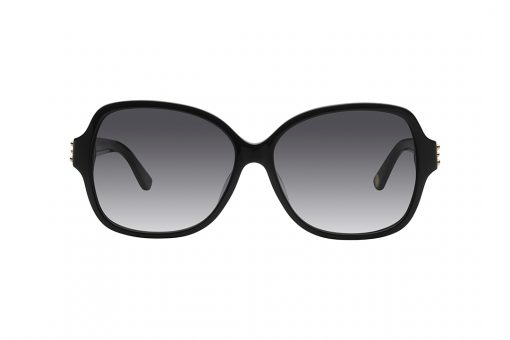 משקפי אובר סייז מרובעים, חזית בצבע שחור, זרועות בצבע שחור בשילוב לוגו וחרוזים קטנים בצבע זהב, עדשות בצבע אפור