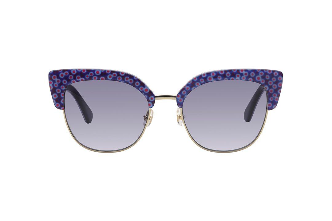 משקפי שמש במראה חתולי. מסגרת מוזהבת דקיקה, שמעליה מסגרת עילית פרחונית עליזה, זרועות פרחוניות, עדשות בגוון כחול.