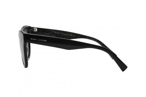 משקפי שמש מארק ג'ייקובס במראה חתולי, מסגרת וזרועות בצבע שחור, עדשות מראה אפורה
