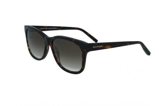 משקפי שמש מבית Tommy Hilfiger בדגם יוניסקס בגוון מנומר ועדשות בגוון חום בהיר מדורג