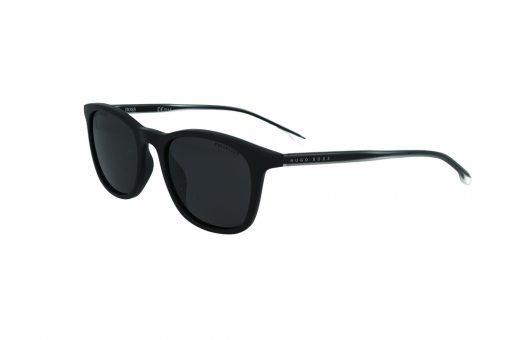 משקפי שמש מבית BOSS בדגם יוניסקס מרובע בגוון שחור וזרועות בשילוב גוון שקוף