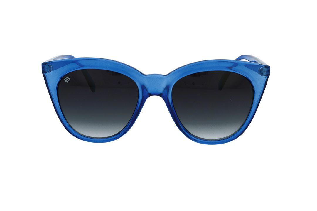 משקפי שמש מבית ERROCA EYEWEAR במסגרת נשית חתולית בגוון כחול שקןף ועדשות כהות
