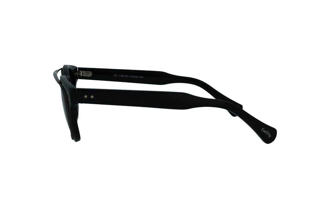 משקפי שמש מבית COOLRAY במסגרת מרובעת שחורה עם עדשות אפורות