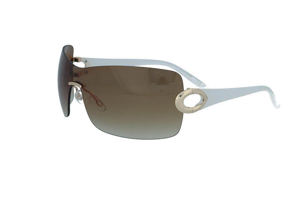 משקפי שמש מבית BHPC במסגרת ברגים בסגנון מסיכה עם חלק חיבור בצבע זהב, זרועות שקופות ועדשות בגוון חום מדורג