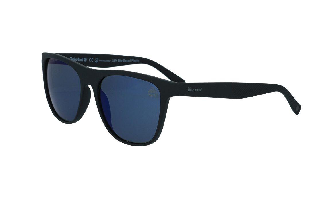 משקפי שמש טיבמרלנד Timberland בדגם מרובע קלאסי בגוון שחור מט ועדשות פולארויד בגוון כחול מראה