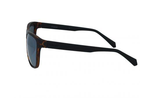 משקפי שמש מבית Polaroid בדגם יוניסקס בגווני מנומר כהה ושחור ועדשות מראה