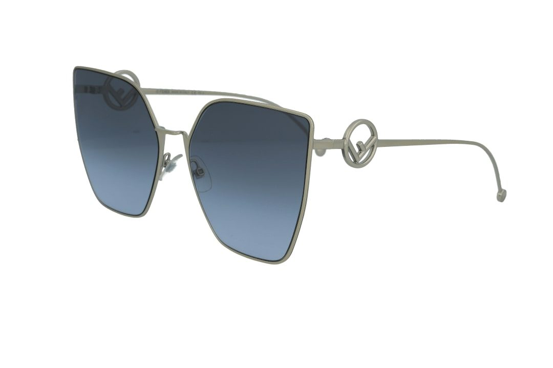 משקפי שמש מבית Fendi בדגם אובר סייז חתולי בגוון כסף ועדשות תואמות