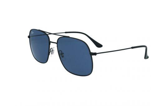 משקפי שמש מבית Ray Ban בדגם טייסים מרובע בגוון שחור עם גשר אף כפול ועדשות בגוון כחול