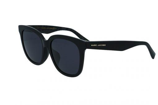 משקפי שמש מבית Marc Jacobs בדגם אובר סייז מרובע בגווני שחור ושחור מנצנץ ועדשות תואמות