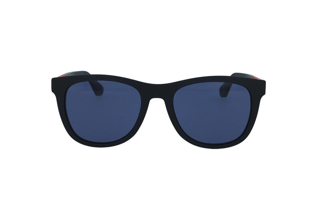 משקפי שמש מבית Tommy Hilfiger בדגם מרובע בגוון שחור מט ועדשות בגוון כחול
