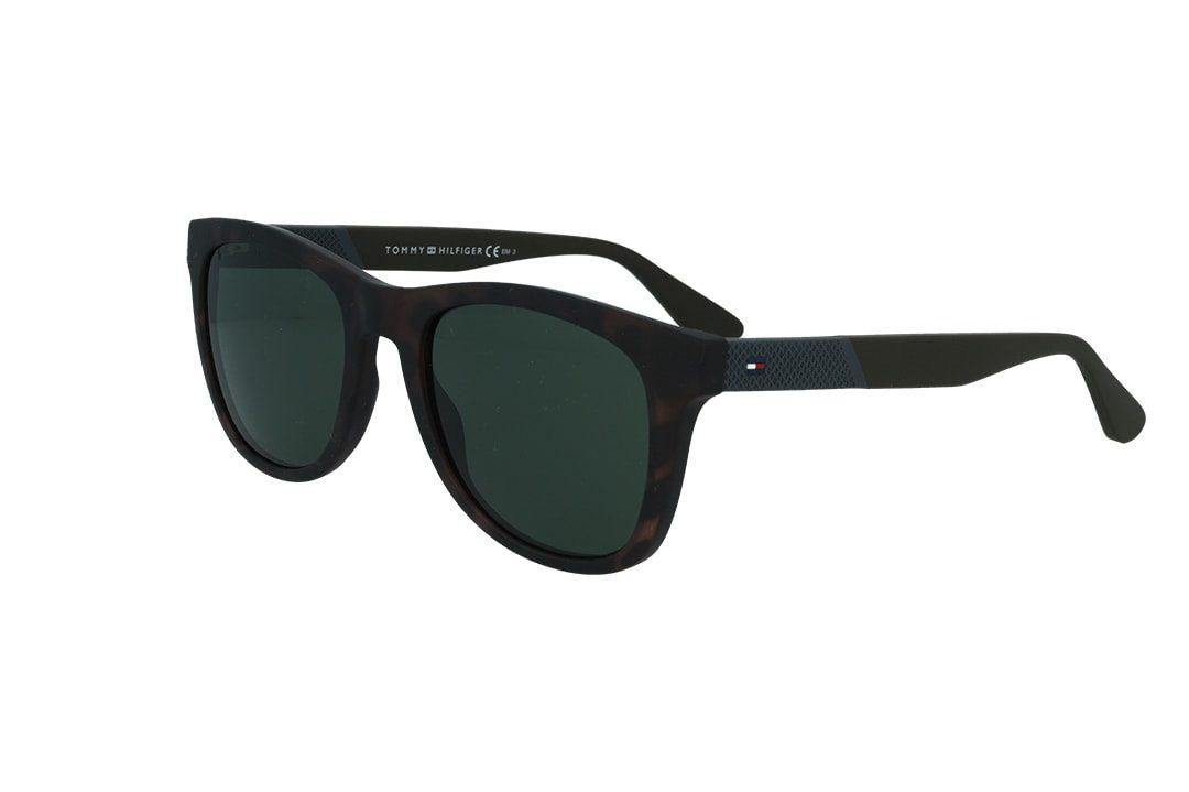 משקפי שמש מבית Tommy Hilfiger בדגם מרובע בגוון מנומר כהה ועדשות בגוון ירוק