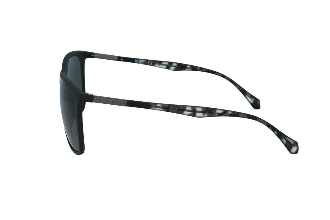 משקפי שמש מבית Boss בדגם גברי בגוון שחור מט ועדשות תואמות