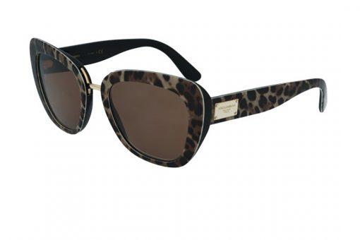 משקפי שמש מבית Dolce&Gabbana בדגם מרובע עם אדג' חתולי בגוון מנומר כהה ועדשות בגוון חום