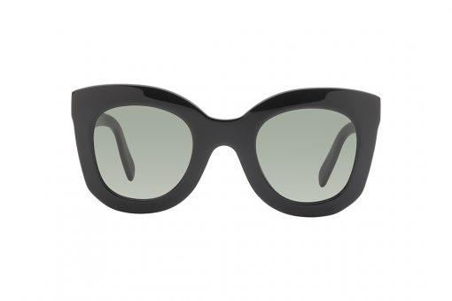 משקפי שמש מבית סלין, דגם אייקוני של המותג בצורה ייחודית לסלין, מסגרת מעוגלת חתולית בשחור מבריק עם 3 הניטים שמאפיינים את המותג ולוגו על הזרוע