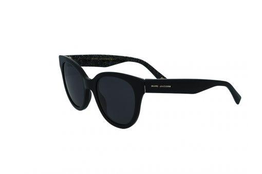 משקפי שמש מבית Marc Jacobs בדגם אובר סייז חתולי בגוון שחור ועדשות תואמות