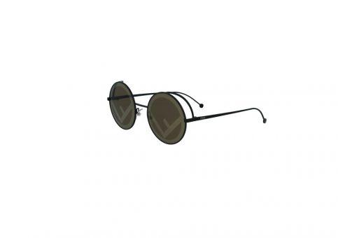 משקפי שמש מבית Fendi בדגם אובר סייז עגול במראה רטרו ועדשות בגוון חום ולוגו המותג