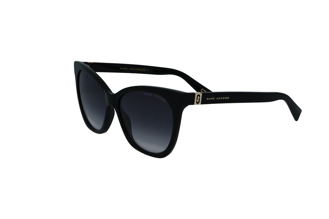 משקפי שמש מבית Marc Jacobs בדגם אובר סייז מרובע עם אדג' חתולי בגוון שחור ועדשות מדורגות