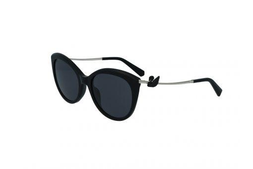 משקפי שמש מבית Swarovski בדגם חתולי בגוון שחור עם לוגו הברבור בצד הזרוע ועדשות כהות