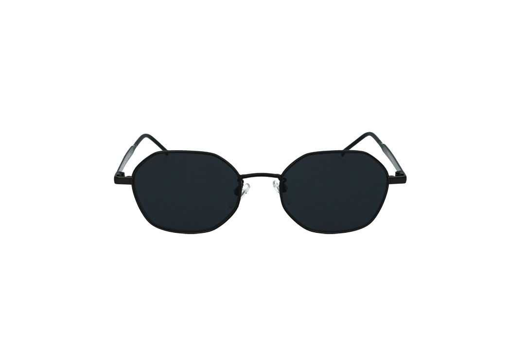 משקפי שמש מבית Tommy Hilfiger בדגם גיאומטרי בגוון שחור ועדשות כהות