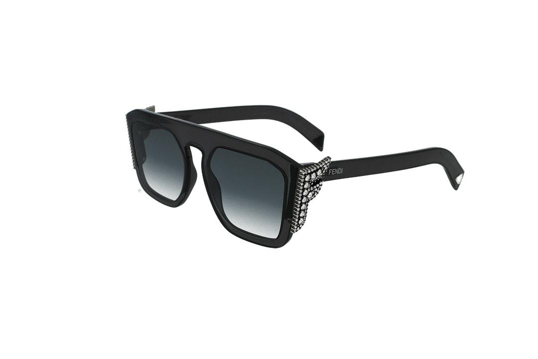 משקפי שמש FENDI בסגנון מרובע בגוון שחור-כסף ועדשות בגוון אפור כהה מדורג